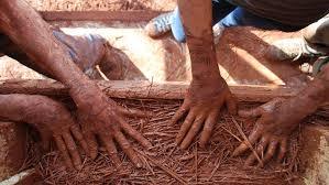 Chantier participatif éco-construction : murs en terre-paille WE de la pentecôte